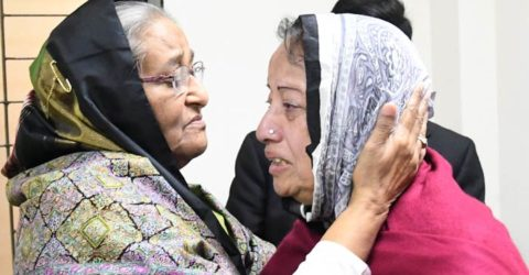 সাবেক রাষ্ট্রদূত সৈয়দ মুয়াজ্জেম আলীর মরদেহ দেখতে সিএমএইচে প্রধানমন্ত্রী