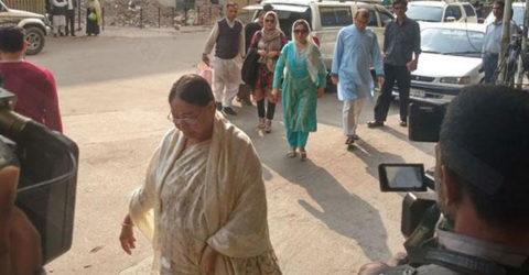 কারাবন্দি খালেদার সঙ্গে দেখা করতে বিএসএমএমইউতে স্বজনরা